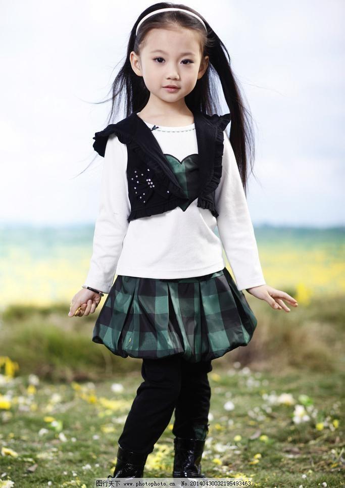 短裙 发卡 服饰 花草 可爱 美女 模特 女孩 童装 小美女 模特图片素材