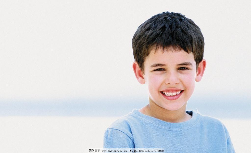 小男孩图片素材下载 小男孩 小帅哥 高兴 开心 快乐 外国小男孩 外国