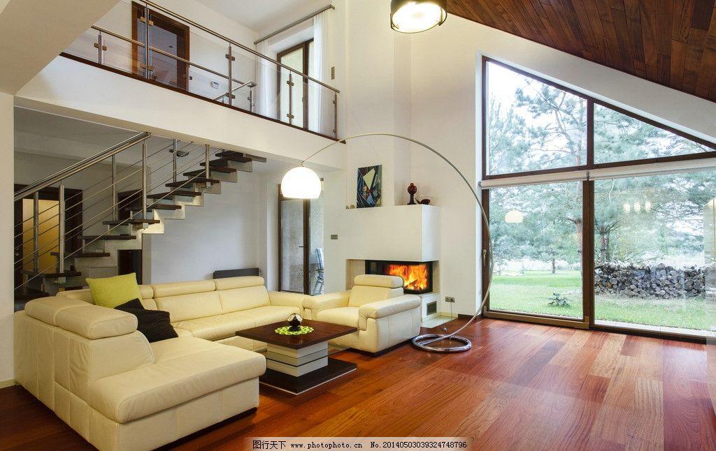 客厅 木地板 楼梯 装修 装饰 装潢 家具 家居 沙发 室内摄影