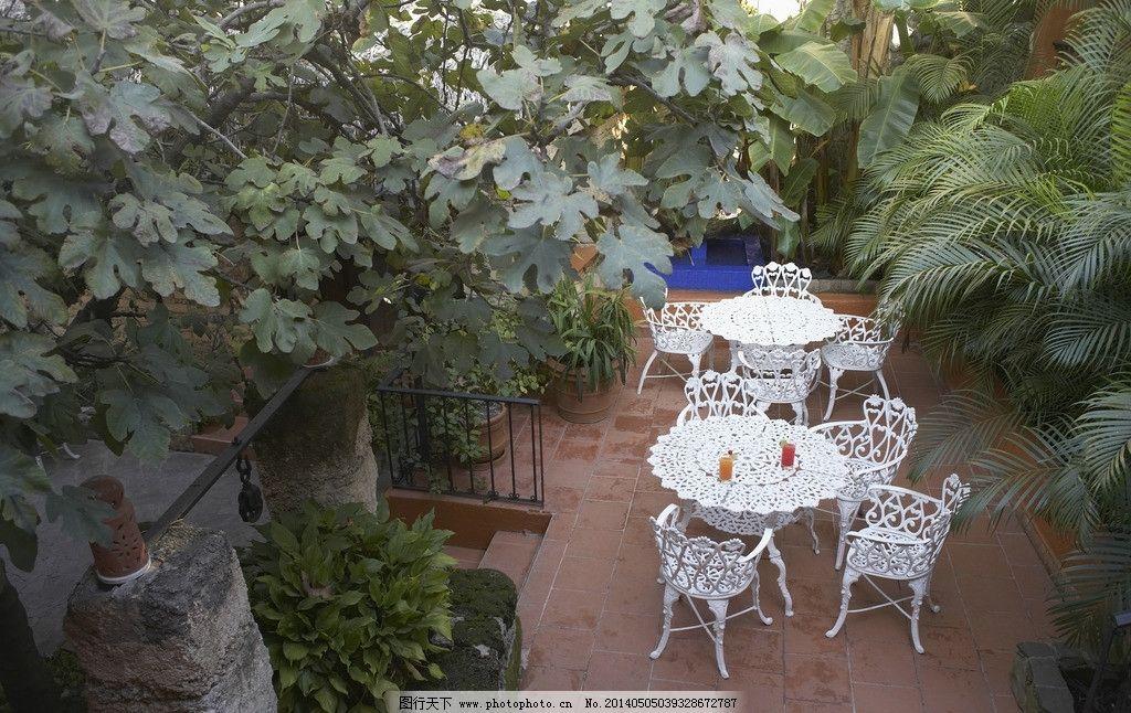 庭院景色 风景秀丽 景色 绿植 庭院 欧式座椅 安逸 安静 室内摄影