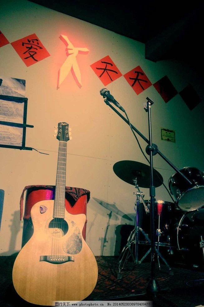 吉他海报 吉他 琴行 乐器 海报 复古 舞蹈音乐 文化艺术 摄影 72dpi j图片