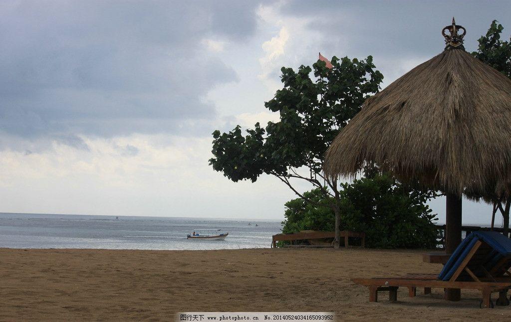 巴厘岛风光 巴厘岛 海 蓝天 白云 草亭 自然风景 旅游摄影 摄影 72dpi