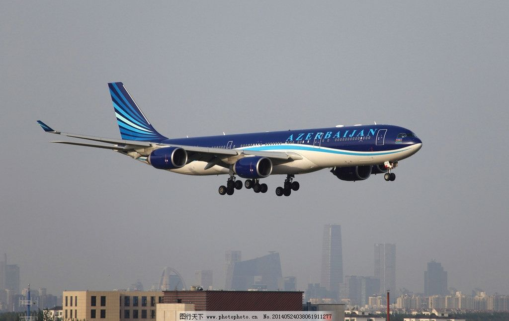 阿塞拜疆航空公司 民航 飞机 客机 落地 空中 交通工具 现代科技 摄影