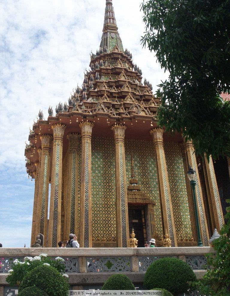 建筑 泰国/异国风情 泰国建筑 庙宇兀立树影婆娑自然和谐图片