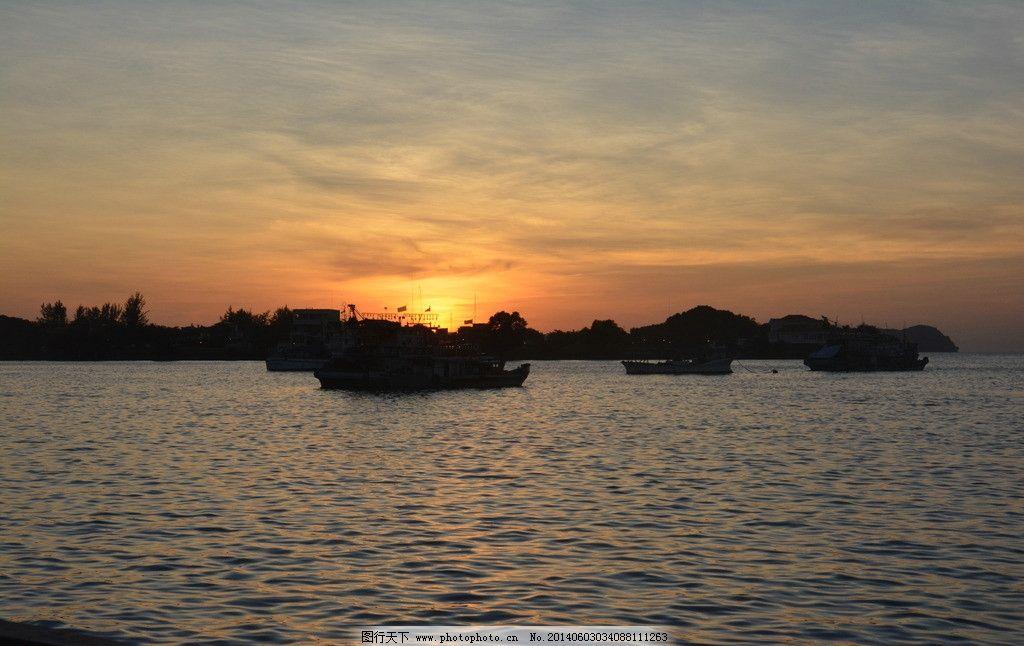 海滩黄昏 夕阳 海水 轮船 国外旅游 摄影