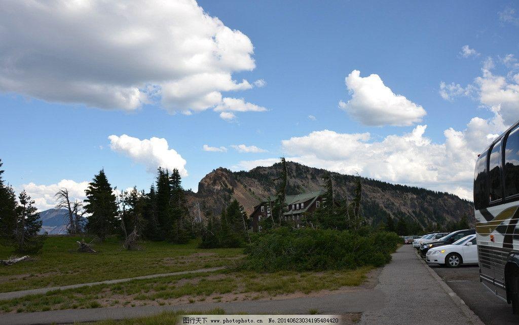 山水风景 蓝天 白云 汽车 松树 别墅 摄影 自然 风景 山水 旅游 自然
